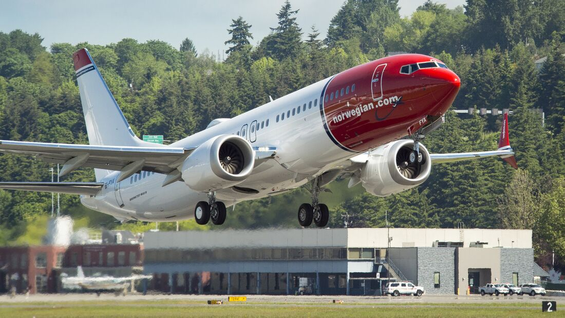 2017-05-25 Norwegian MAX NBE 6360 B2 Flight Takeoff & Landing