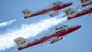 431 (AD) Squadron Snowbird practice