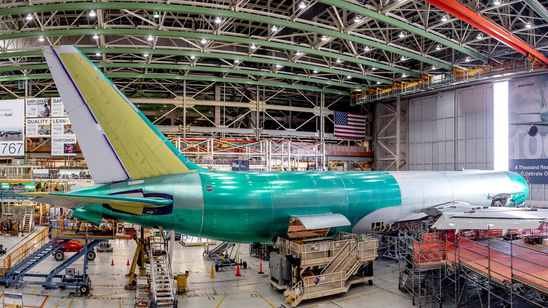 767 Overview Factory Photos