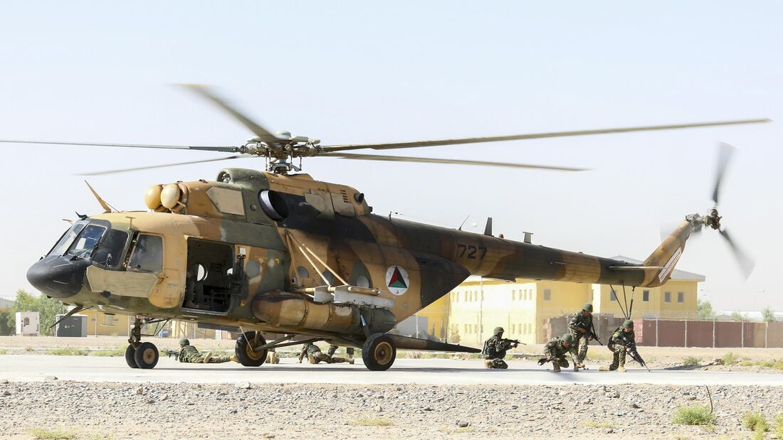 Afghan forces conduct air insertions exercise