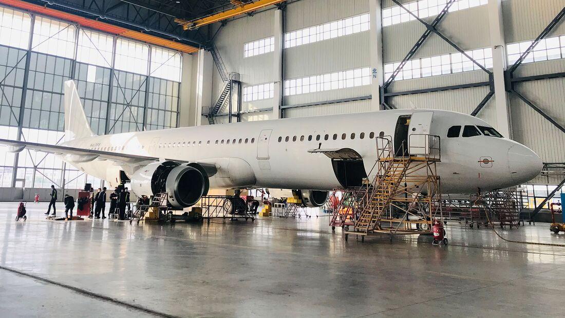 Airbus A321 Frachterumrüstung bei ST Engineering.