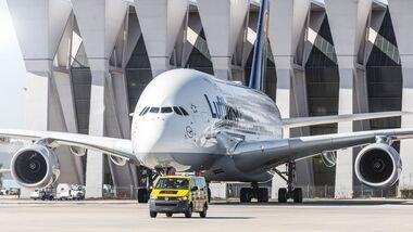 Airbus A380 der Lufthansa in Frankfurt.