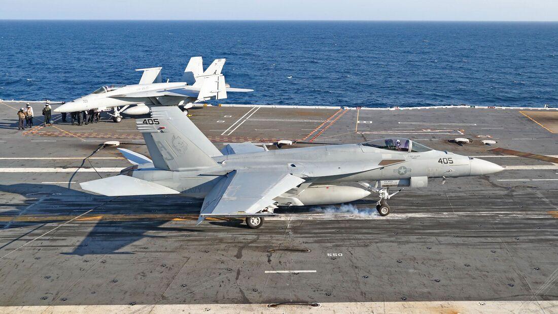 """Am 19. März 2020 landete zum 1000. Mal ein Flugzeug auf dem neuen Träger """"Ford"""". Die Boeing F/A-18E gehörte zur Staffel VFA-34 des Carrier Air Wing Eight."""
