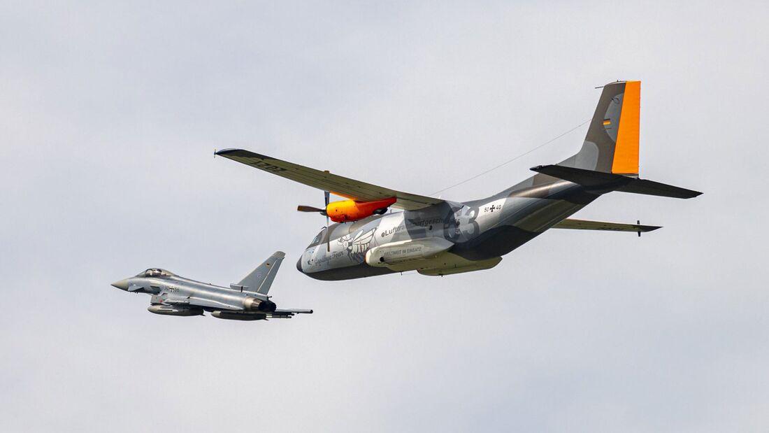 Am 3. Juni 2021 flog die Transall mit Sonderanstrich eine Abschiedsrunde über Norddeutschland.