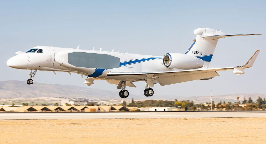 Am Ostersonntag nahmen die israelischen Luftstreitkräfte das neue Aufklärungsflugzeug Oron in Empfang.