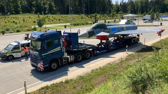 Auf dem Weg des Eurofighters von Kaufbeuren nach Manching gab es ein Pause auf einem Autobahnrastplatz.