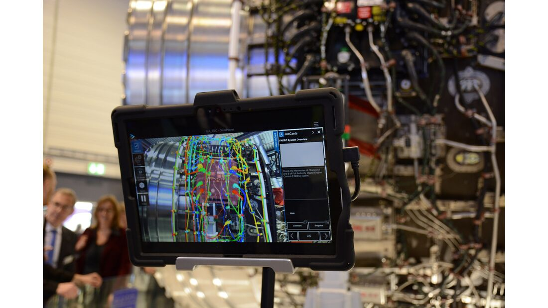 Augmented Reality für Endmontage Rolls-Royce Trent XWB-84