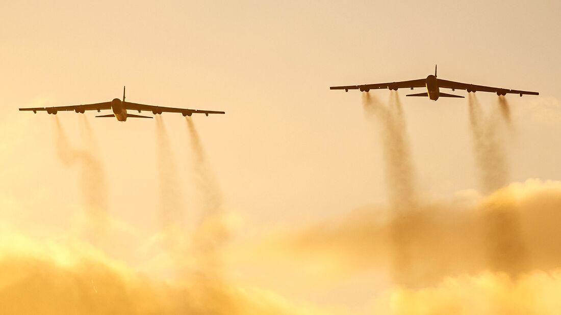B-52H des 5th Bomb Wing der USAF fliegen derzeit von Fairford aus.