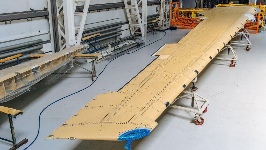 Bei AeroComposite in Uljanowsk wurde der erste MS-21-Flügel aus russischen Verbundwerkstoffen gebaut.
