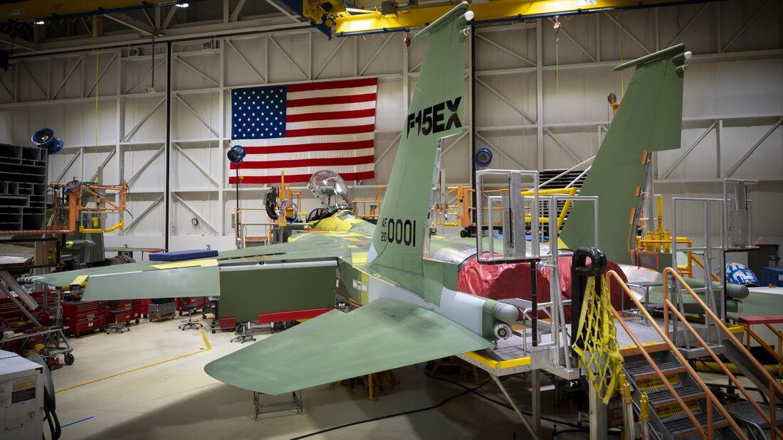 Bei Boeing in St. Louis war die erste F-15EX bereits vor der offiziellen Vertragsunterzeichnung in der Endmontage.