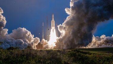 Beim ersten Start 2019 brachte die Ariane 5 zwei Telekommunikationssatelliten ins All.