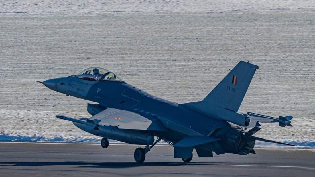 Belgische F-16 wurden wegen Problemen mit dem F100-Triebwerk gegroundet.