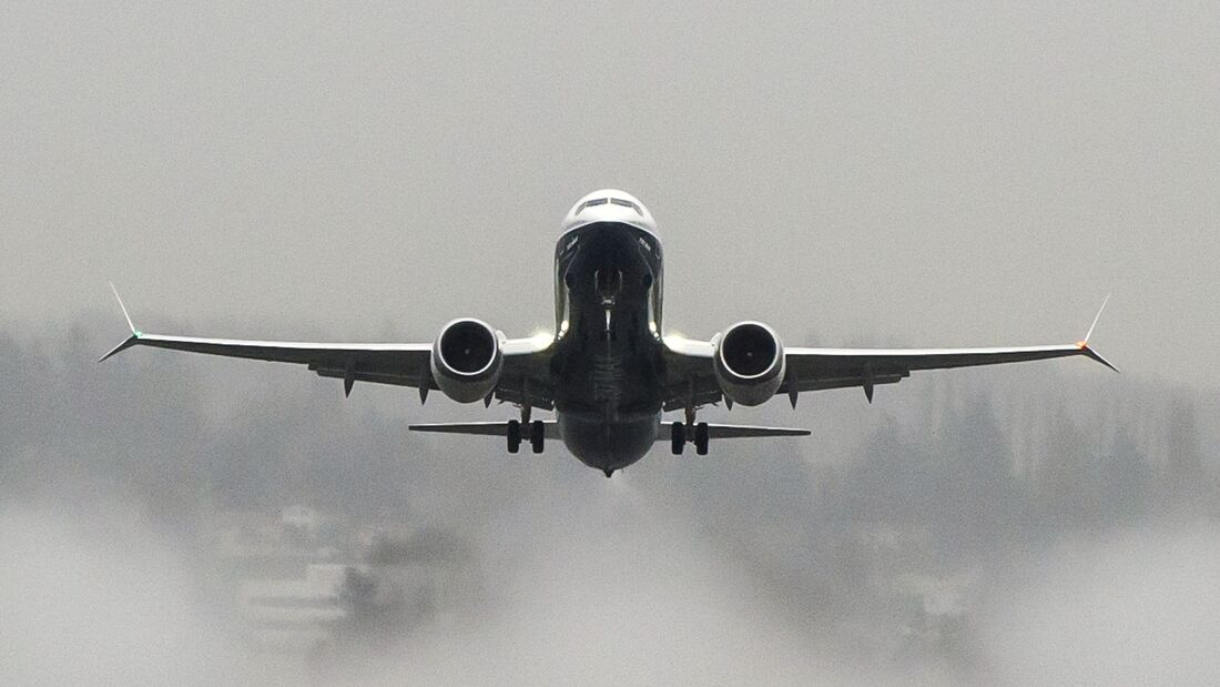 Boeing 737 MAX8