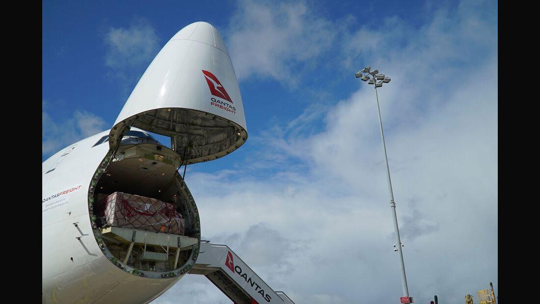 Boeing 748-8F Frachter von Atlas Air wird für Qantas Freight betrieben.