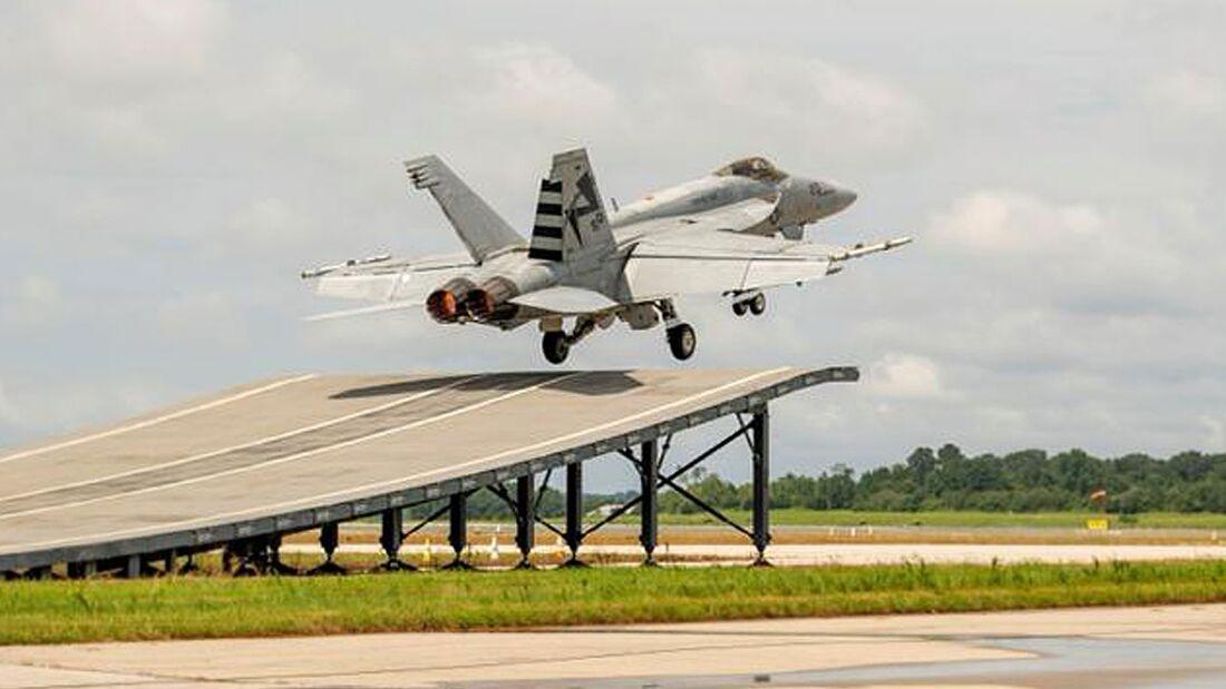Boeing hat den Start der Super Hornet über eine Rampe in Patuxent River erprobt.