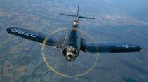 Chance Vought F4U-4 Corsair: air to air