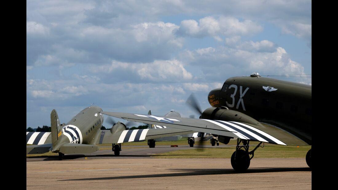 D-Day75: Dakota Aircraft visit former RAF Duxford