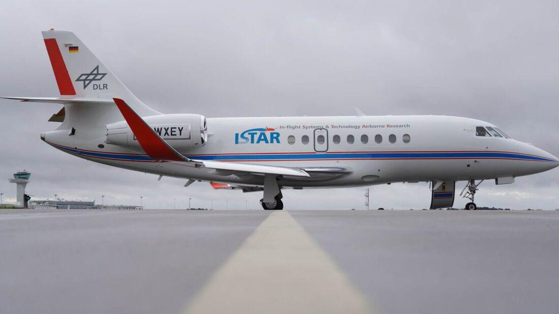 Dassault Falcon 2000LX ausgerüstet als ISTAR-Forschungsflugzeug des DLR.