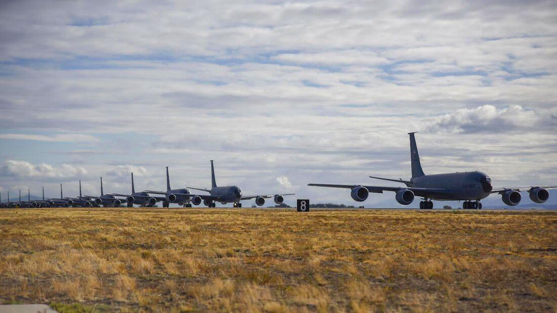 Der 92nd Air Refueling Wing in Fairchild hat am Mittwochnachmittag erfolgreich einen MITO (Minimum Interval Take-off) mit 20 Flugzeugen durchgeführt.