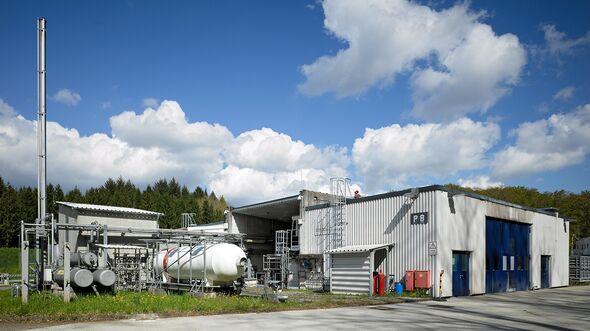 Der Forschungs- und Entwicklungsprüfstand P8 des DLR in Lampoldshausen.