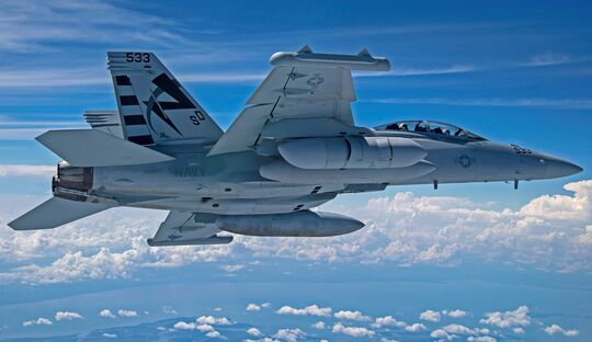 Der Next Generation Jammer - Mid-Band von Raytheon hat im August 2010  in Patuxent River die Flugerprobung an der EA-18G Growler aufgenommen.