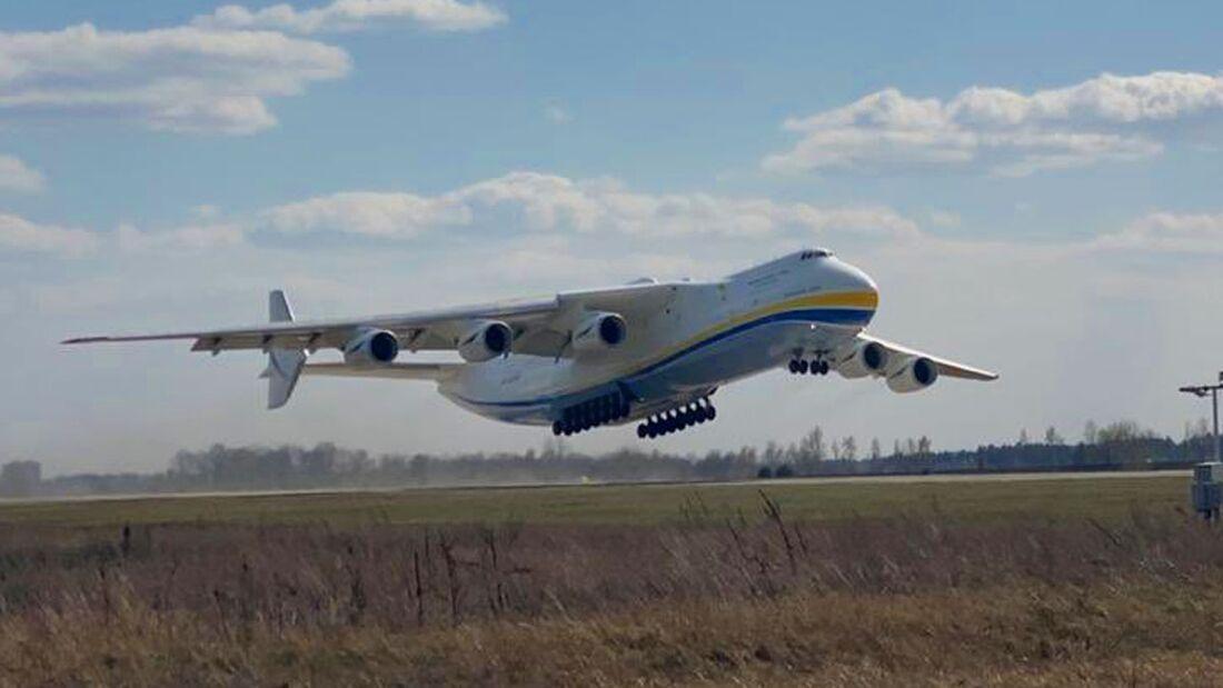 Die Antonow An-225 machte sich am 11. April 2020 auf zum ersten Einsatz nach einer 18-monatigen Überholung.