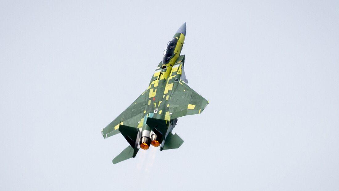 Die Boeing F-15QA für Katar startete am 13. April 2020 in St. Louis zum Erstflug.