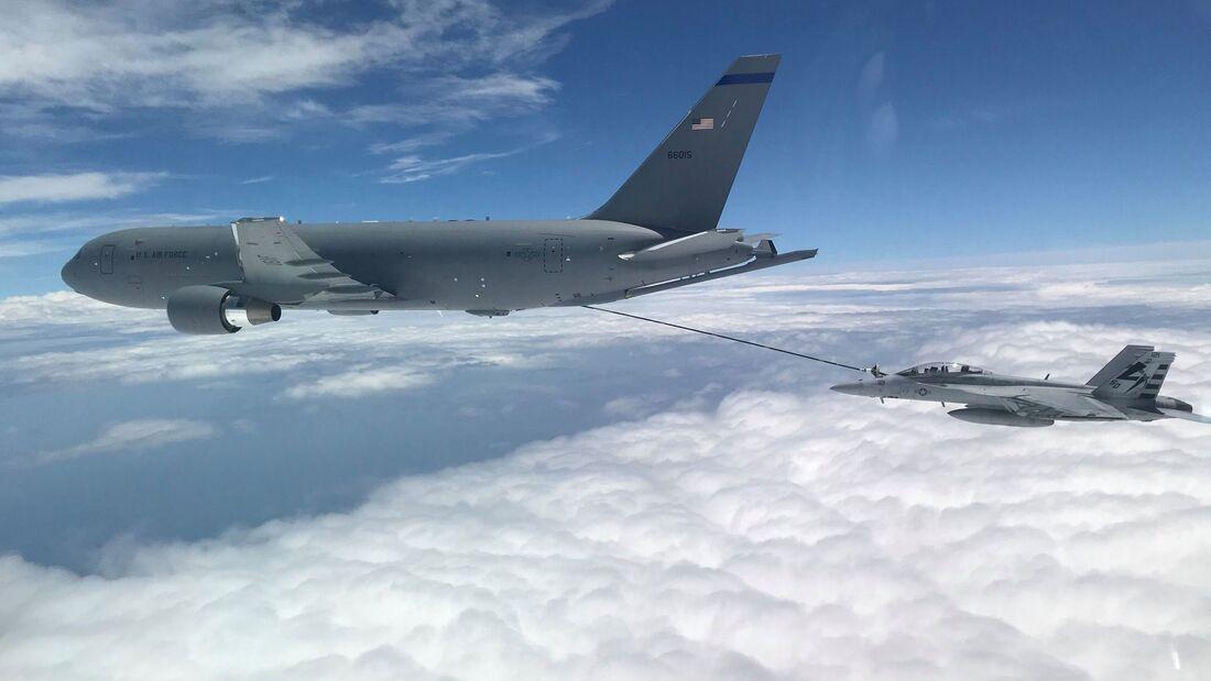 Die Boeing KC-46A ist jetzt für den Betrieb des zentralen Schlauchsystems zugelassen.