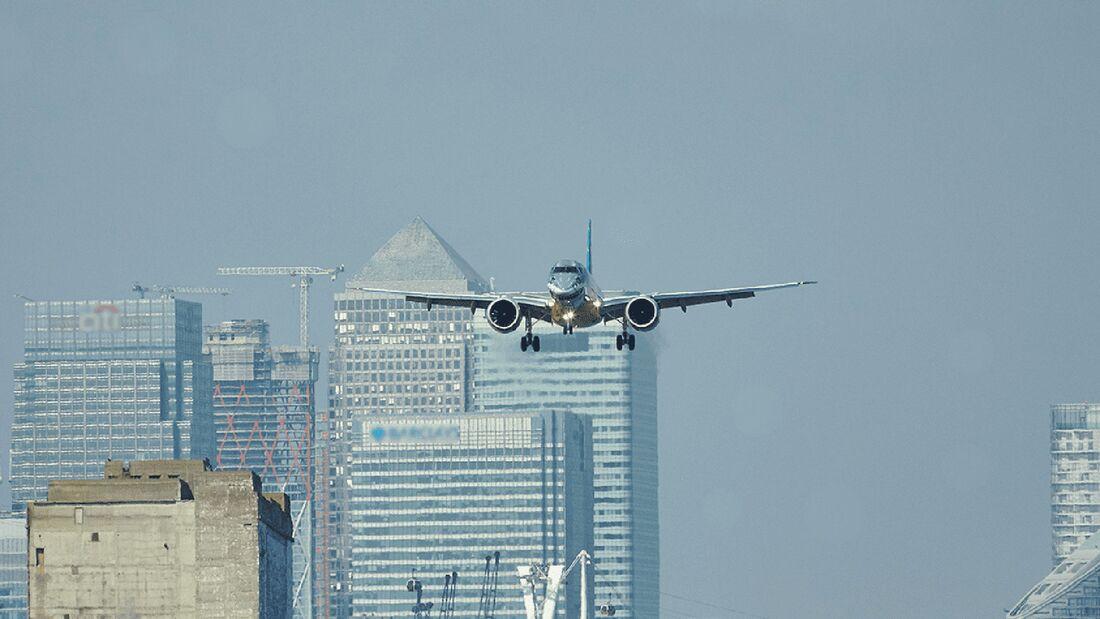 Die Embraer E190-E2 ist nun für Steilanflüge wie in London City zugelassen.
