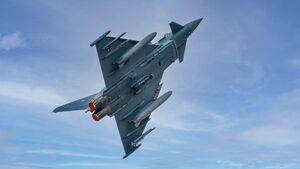 Die Eurofighter der Luftwaffe können für Aufklärungsmissionen den RecceLite-Behälter tragen.