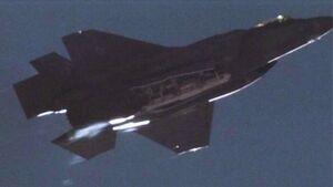 Die F-35A warf im August 2020 erstmals eine (Dummy-)Atombombe B61-12 ab.