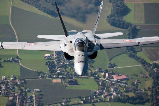 Die Schweiz will ihre F/A-18 und ihre F-5 ersetzen.
