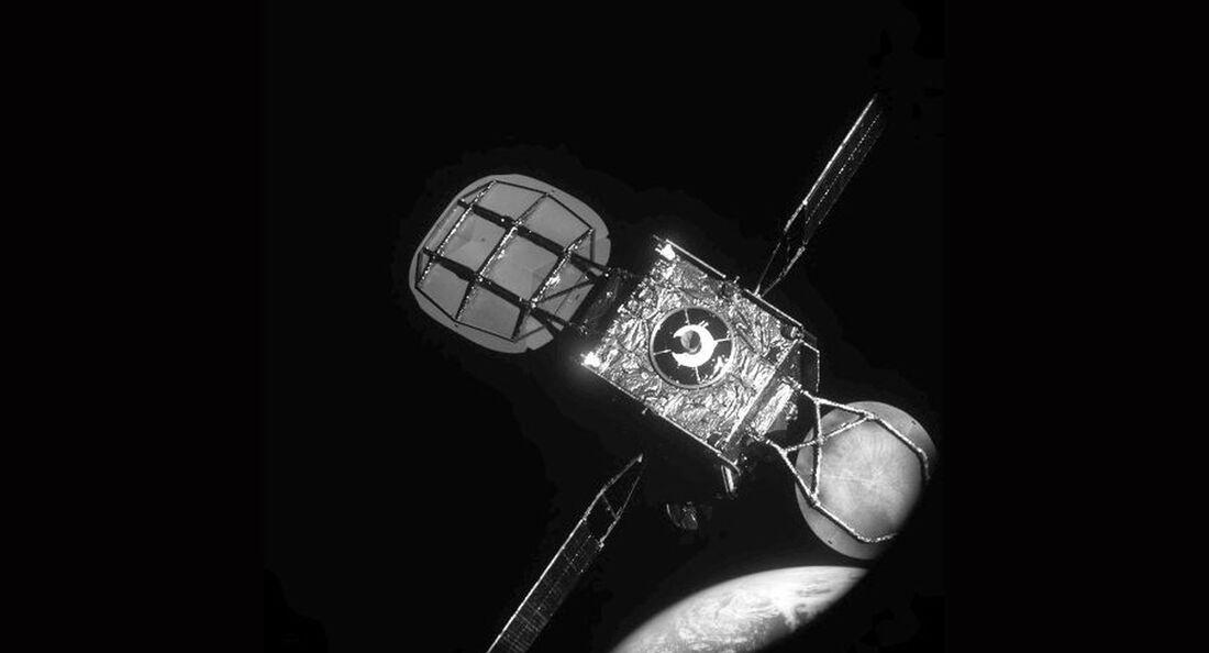 Die beiden Satelliten Northrop Grumman MEV-1 und Intelsat-901 kurz vor dem Docken.