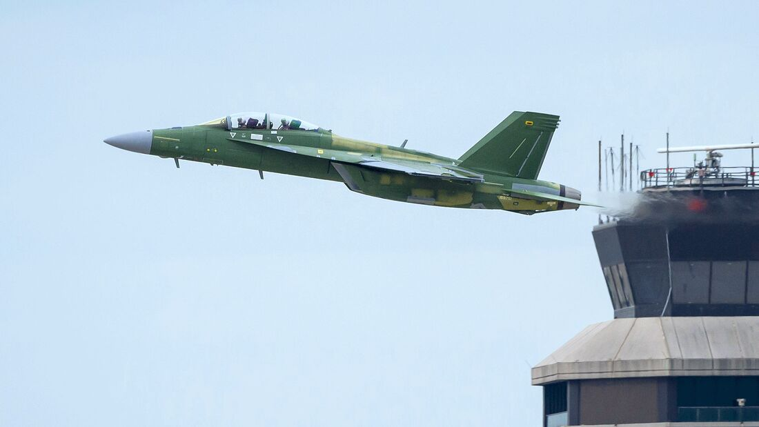 Die erste Boeing F/A-18F Block III flog Anfang Juni 2020 in St. Louis zum ersten Mal.