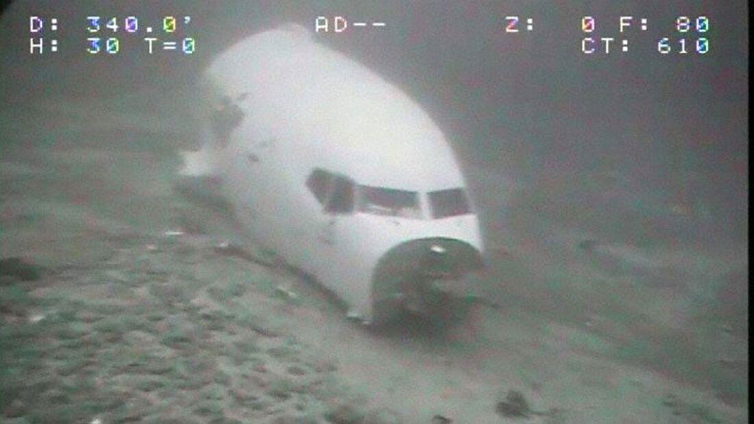 Die vor Hawaii notgewasserte Boeing 737-200C von Transair liegt in etwa 120 Metern Tiefe.