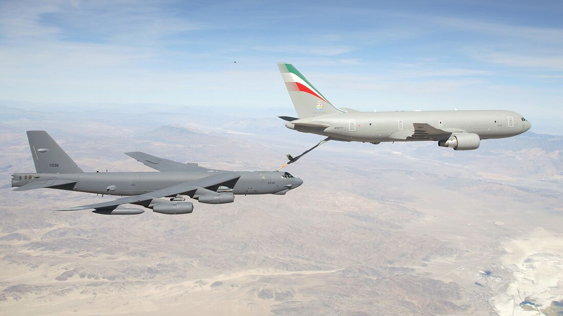 Edwards hosts Boeing, Italian Air Force tanker tests