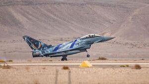 """Ein Eurofighter der Luftwaffe ist mit einer aufwendigen Sonderbeklebung bei der Übung """"Blue Flag"""" in Israel dabei."""