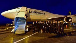 Eine Boeing 747-300 der Lufthansa (D-ABVY) holte am 28. März 2020 gestrandete Urlauber in Auckland ab.