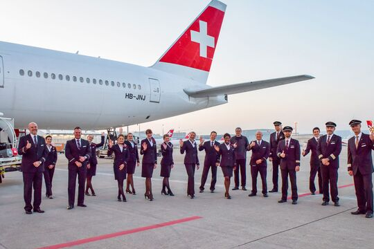 Eine Boeing 777-300ER der Swiss fliegt nonstop nach Santiago, um Schweizer Bürger aus Chile abzuholen.
