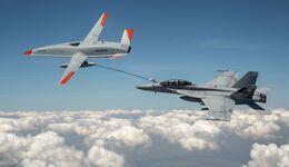 Erstmals betankte die unbemannte Boeing MQ-25 eine F-18 der US Navy.