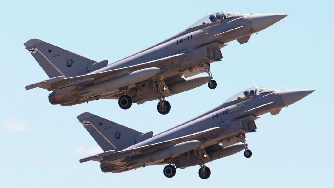 Eurofighter aus Spanien landen in Siauliai.