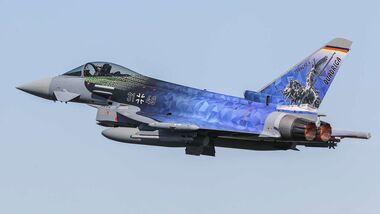 "Eurofighter der Luftwaffe im ""Quadriga""-Design."