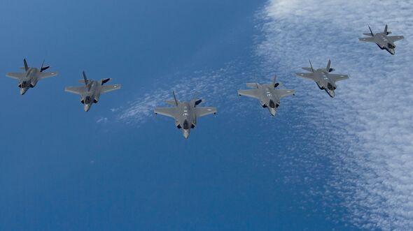 F-35 aus den USA, Großbritannien und Israel über dem Mittelmeer im Juni 2019.