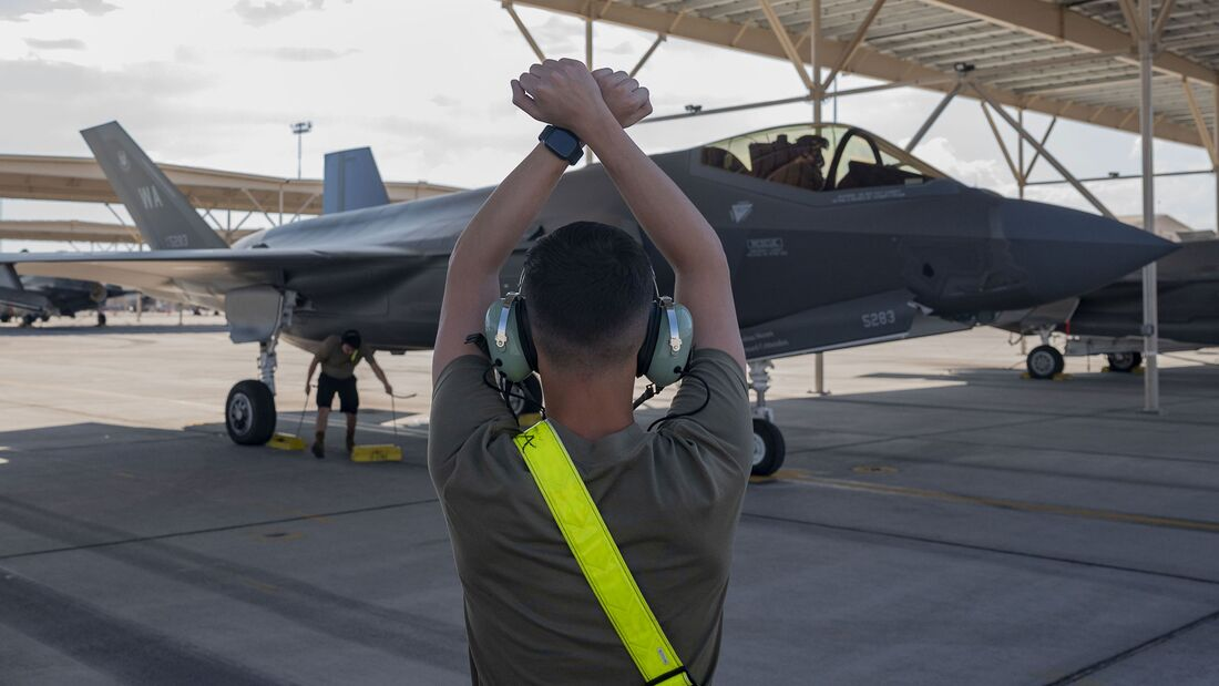 F-35A der USAF fliegen nun mit Aggressor-Piloten als Red Air bei Red Flag in Nellis.