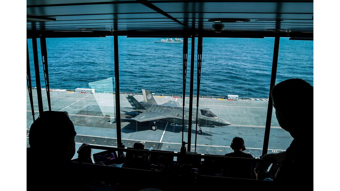 Fighter jets join forces with British aircraft carrier to make history