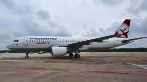Freebird Europe hat eine A320 in CGN stationiert.