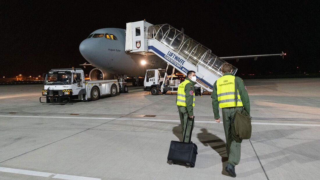 """Für den Corona-Patiententransport aus Italien verwendete die Flugbereitschaft der Bundeswehr den Airbus A310 MRTT """"August Euler""""."""