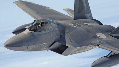 Hickam F-22 Arrival
