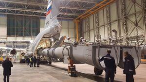 Iljuschin Il-76MD-90A mit Löschwasserbehälter.