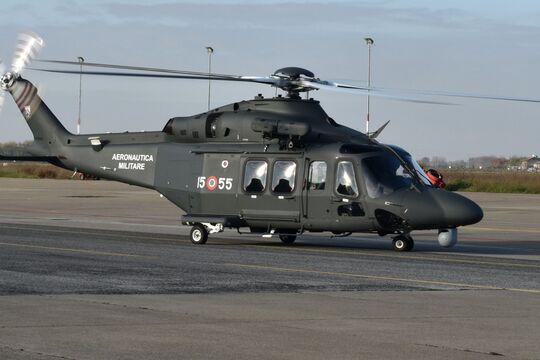 Italiens Luftstreitkräfte haben die erste HH-139B (Militärvariante der AW139) von Leonardo erhalten.